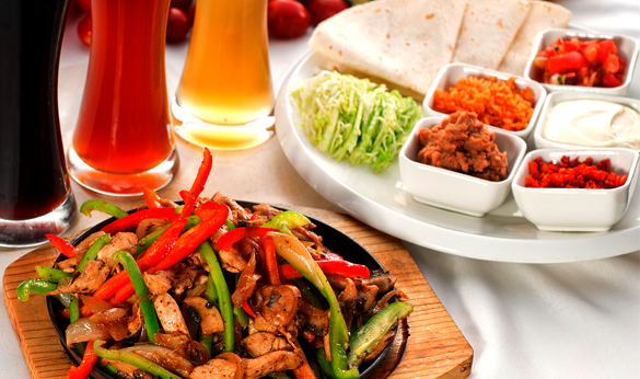 chicken fajitas with garnishes